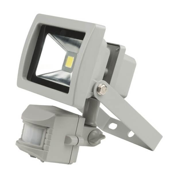 Прожектор светодиодный с датчиком движения ULF-S21-10W/WW SENSOR IP54 110-240В